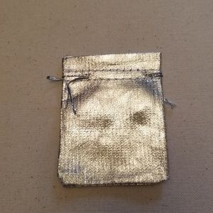 SILVER COLORED GIFT BAGS  20 PCS